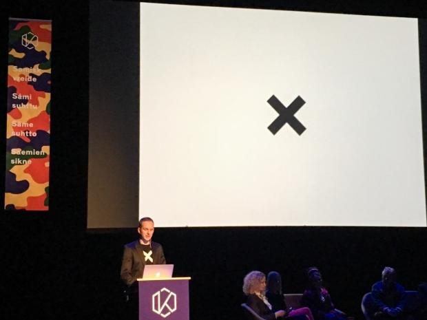 Jérémie McGowan holder sitt innlegg på Kulturrådets årskonferanse
